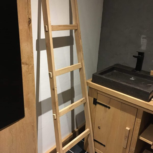 Eikenhouten ladder